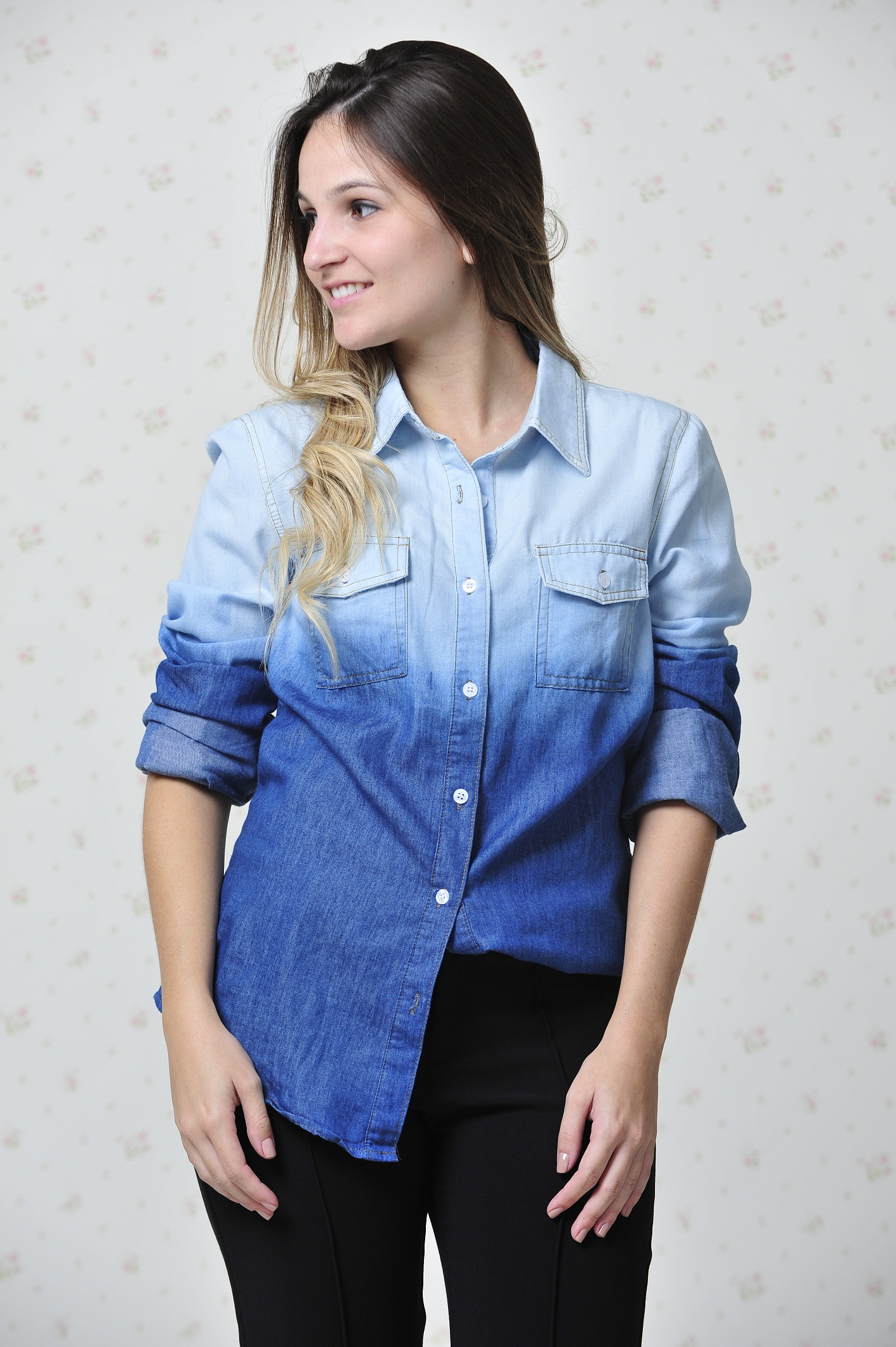 5e462db67e Look Impactto  Camisa jeans tie-dye – Blog Mah Seno